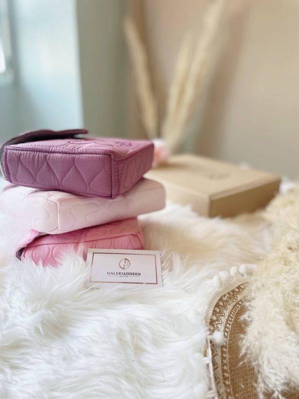 telexing travel Galeri Addeen pastel soft pink